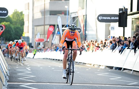2013_TourSeries_Woking_MensVanUden