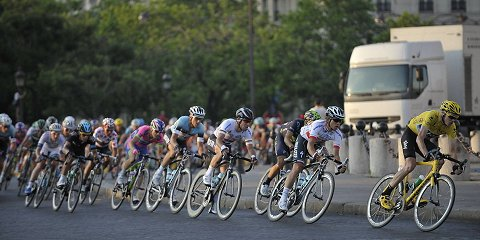 2013_TdF_Stage21_Froome