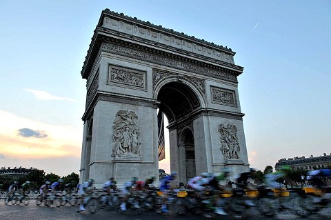 2013_TdF_Stage21_Scenic