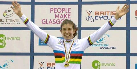 2013_JuniorWorlds_DanniKhanGoldmedalNumber2_podium