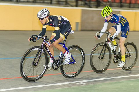 Max Stedman of AW Cycles edges out team mate Joseph Crolla in the A Points Race