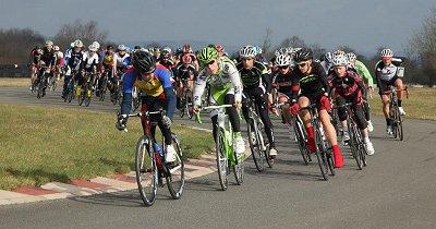 Results/Photos: Darley Moor Circuit Races | velouk net