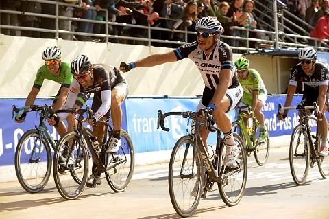 0021_Roubaix14_DEGENKOLB_2nd_Cancellara_3rd_asoPhSpt