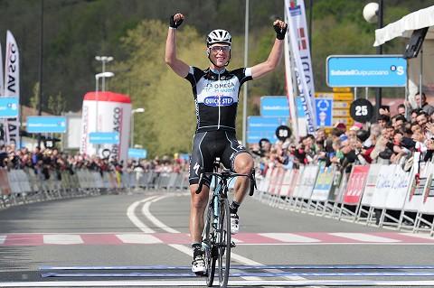 080414-OPQS-Vuelta-Pais-Vasco-Stage-2-arrival-T.Martin-_c_-Tim-De-Waele