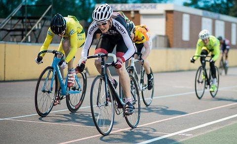 Anthony Anderson of Sigma Sport pips Cameron Thompson of Palmer Park Velo to the C 10 Lap Scratch
