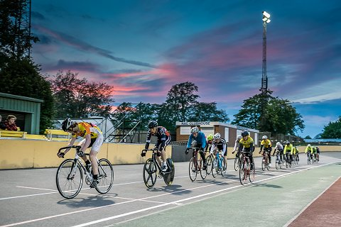 Reading Track League defied the weather forecast as Round 2 went ahead on a fine spring evening