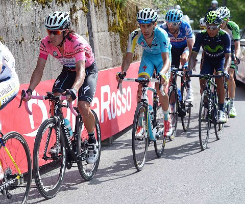 250514-OPQS-Giro-Stage-15---Uran-action--_Tim-De-Waele