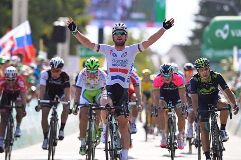 170614-OPQS-Tour-Suisse-Stage-4--Arrival-Cavendish-_Tim-De-Waele