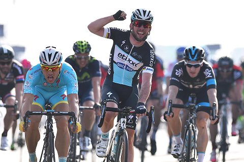 040215-Tour-Dubai-Stage-1--Cavendish-Arrival-_Tim-De-Waele