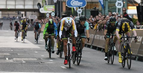 0_2015_TourSeries_CanaryWharf09