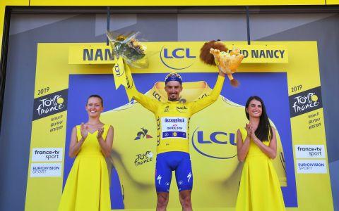 Julian-Alaphilippe-Tour-de-France-Stage-4-Podium—_Chris